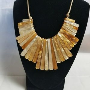 Jewelry - Champagne Gold Statement Necklace
